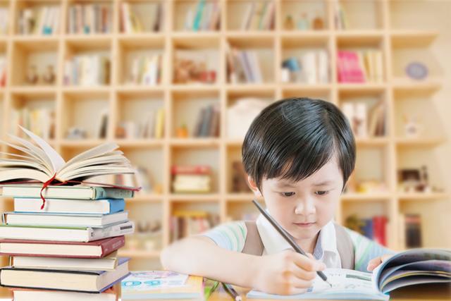 孩子三歲前如果出現這5個標志,家長有福啦!孩子大腦發育相當好