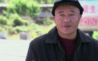 """初代""""赵四""""晒豪宅,装修奢华像宫廷,离开《乡村爱情》依然多金_关小平"""