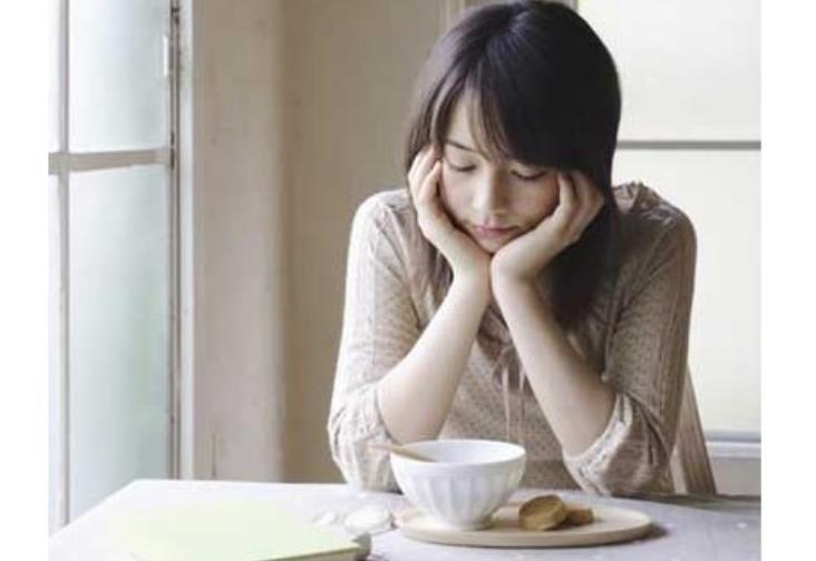 新妈妈大伤脑筋:月子里不知道吃啥喝啥?不妨这样做吧