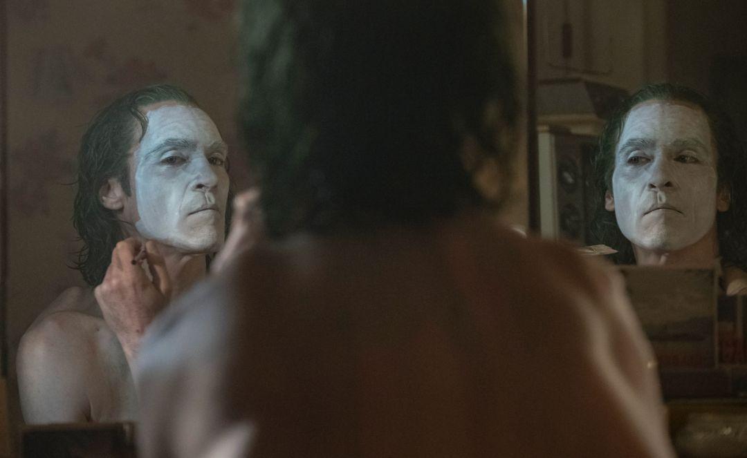 《小丑》与《茶馆》:看看,作恶的力量是多么沉重插图(5)