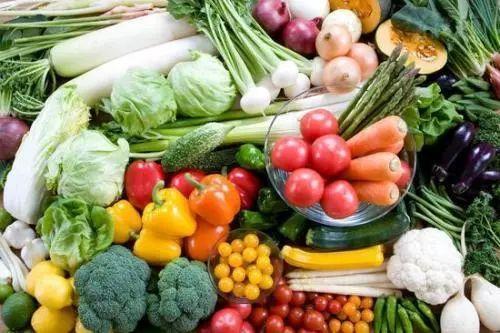 让孩子爱上吃蔬菜,不如试试这个方法,比硬塞管用多了: