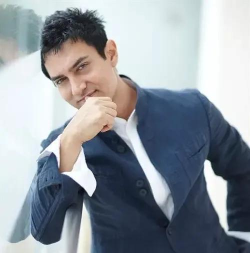 国宝级演员阿米尔·汗:以电影为矛抨击社会问题,为演戏狂瘦50斤插图(11)
