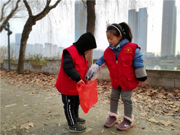 稳恒者喻义巷526儿童服务站开展环保活动