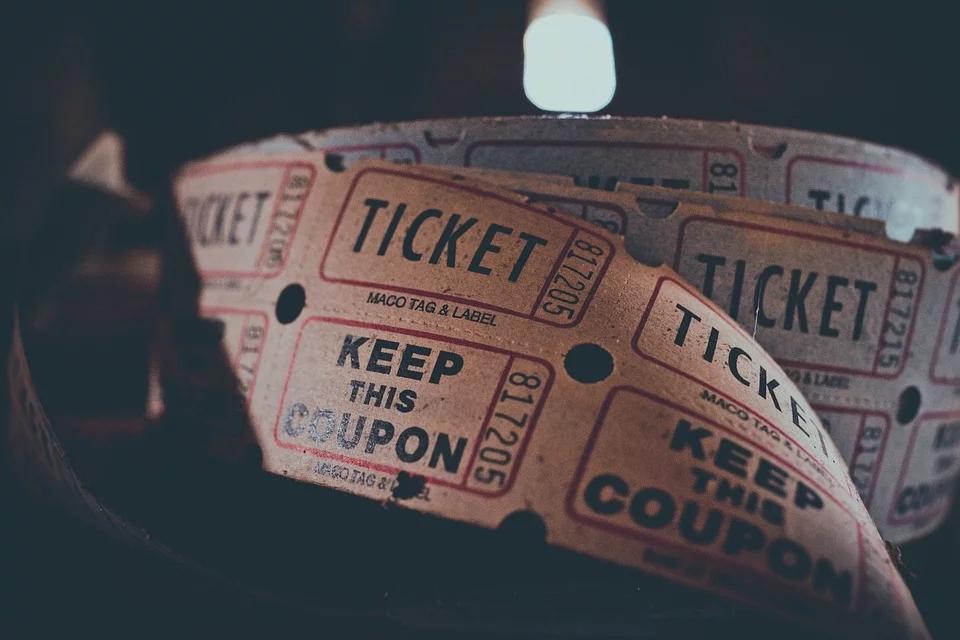 最低只卖了184元,19年百部电影票房惨淡,电影咋会那么惨?插图