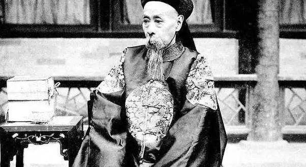 《他比和珅还要贪,将皇位直接卖给袁世凯,因身份特殊无人敢动_超越平台手机版》
