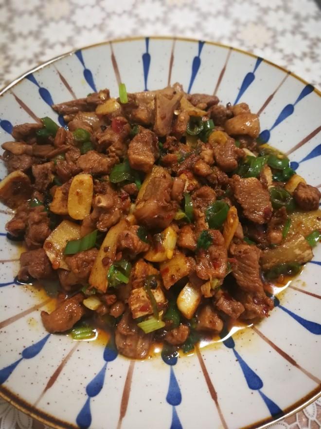 【下饭菜,小炒鸭肉,做法简单,美味下饭,春节在家可以试试哟】