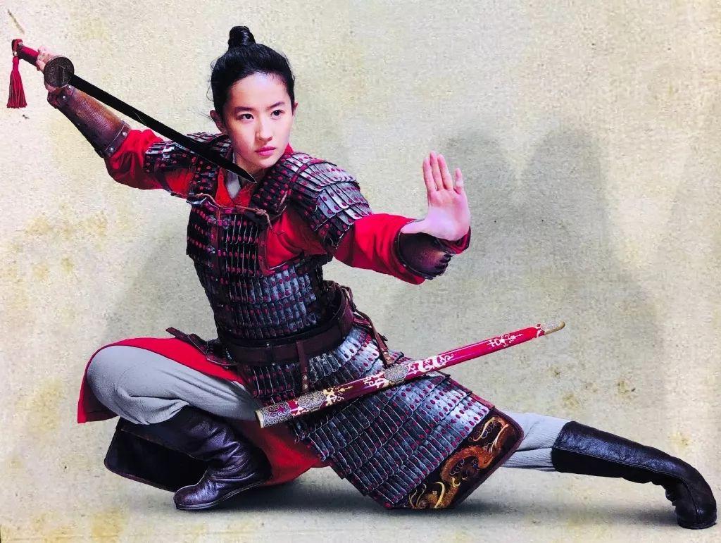 刘亦菲试镜《花木兰》细节曝光!过程很辛苦,其他选手都抱怨导演插图(3)