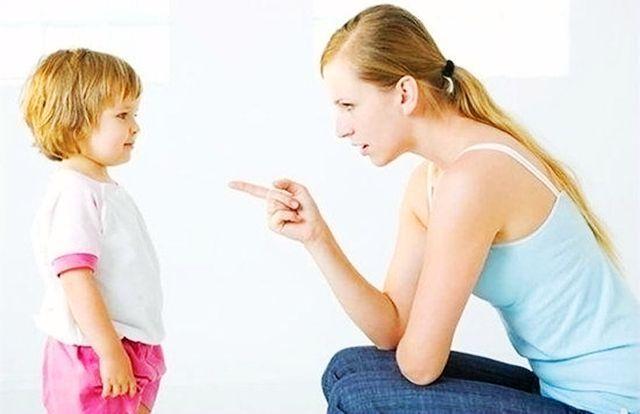 遇到这样逗孩子的,家长请坚决说不,不然容易伤害孩子_