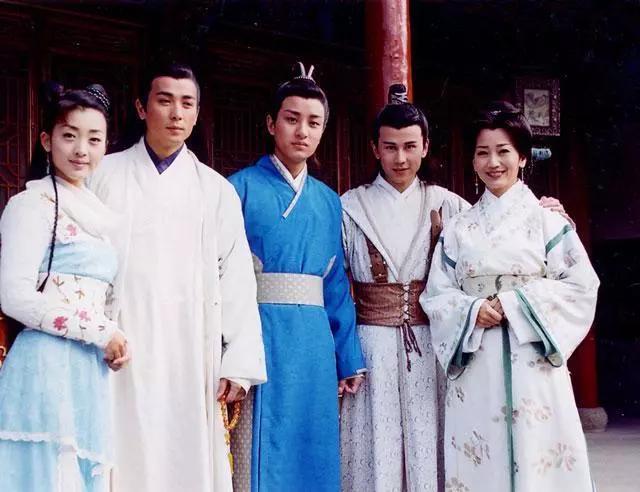 《杨门虎将》演员现状:杨令公客串乡村爱情,韩国女主成