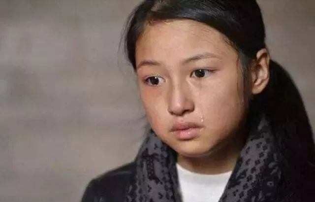 """_17岁女儿坚决反对母亲生二胎:你要生弟弟,我就给你生""""外孙"""""""