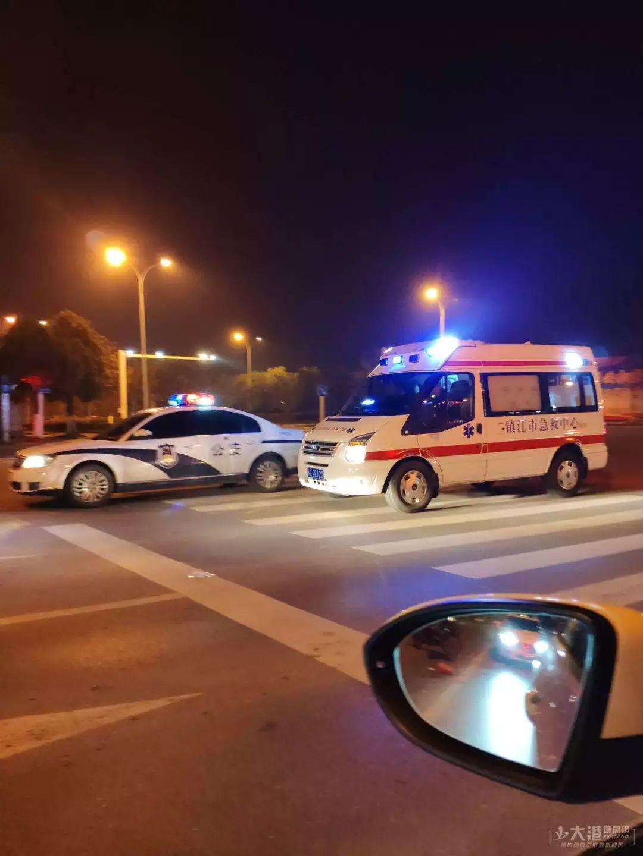 104国道发生严重车祸!人被卷入大货车车底!_手机搜狐网