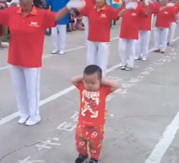 [为什么孩子听到音乐就会忍不住跳舞?原来是这么回事,赶快启蒙吧]