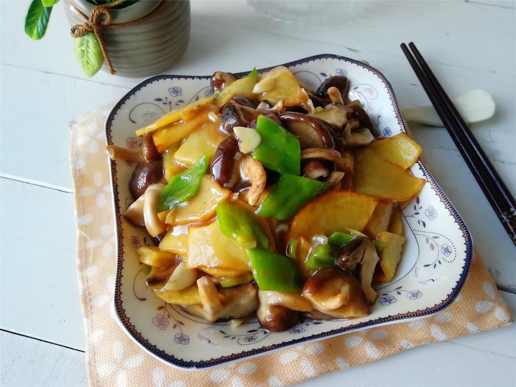 《年夜饭,大鱼大肉多,荤素搭配更健康,分享15道蔬菜小炒,收藏好》