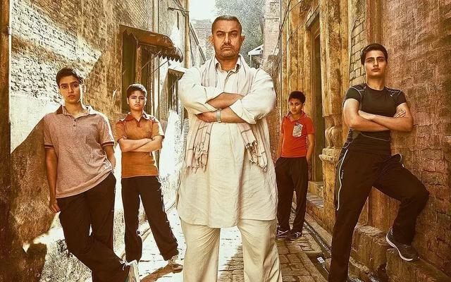 国宝级演员阿米尔·汗:以电影为矛抨击社会问题,为演戏狂瘦50斤插图(4)