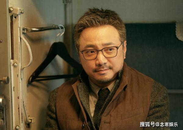 《囧妈》提档惹院线工作者埋怨,徐峥公开发文致歉,将发红包补偿