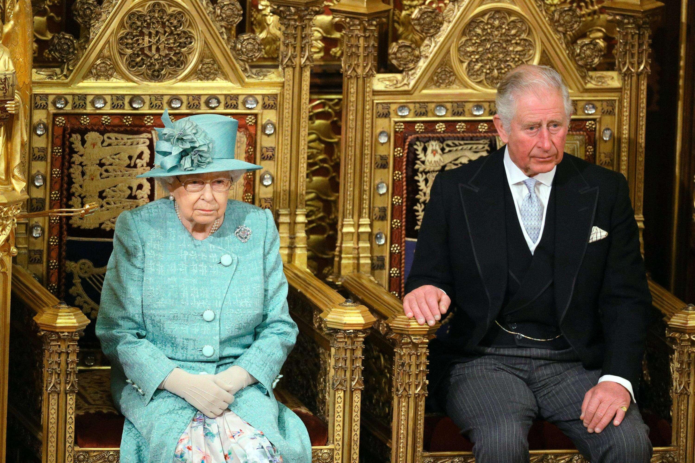 [在被剥夺王室头衔后,哈里打破沉默:为了妻子和孩子,他别无选择]