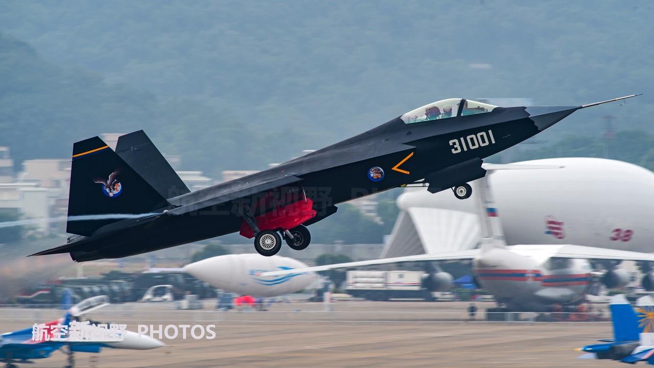 沈飞FC-31鹘鹰战机高清多图,试飞7年无人问津,近期或有新进展