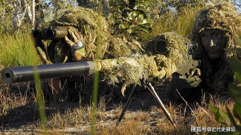 上甘岭战役,美国顶尖狙击手因一个不经意失误,死于我军狙王枪下