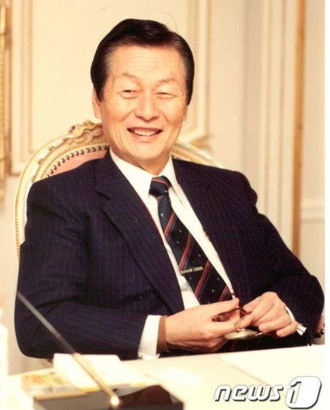 周捷微博韩国五大财阀创始人全部离世 韩媒:一