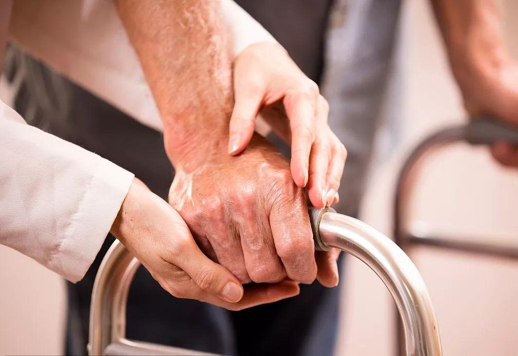 【精选病例 | 高龄骨科患者肺栓塞抢救及管理一例(附专家精彩点评)】
