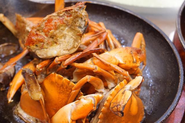 【古早味煎蟹,厦门中山路上二十多年老店,吃的就是这一口美味】