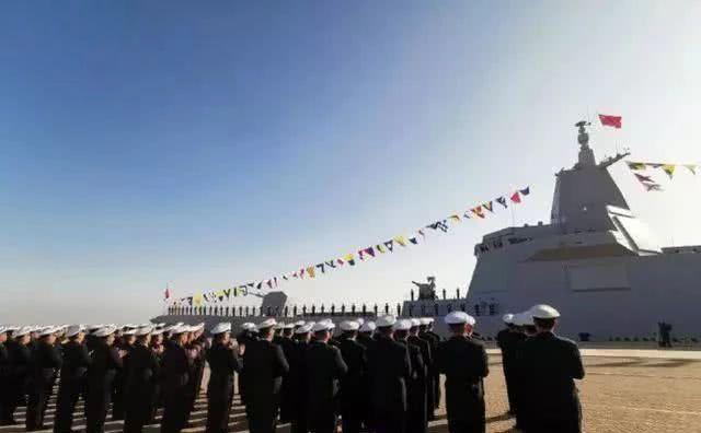 中国第一艘巡洋舰诞生!是首艘全相控阵雷达舰 055舰已非驱逐舰