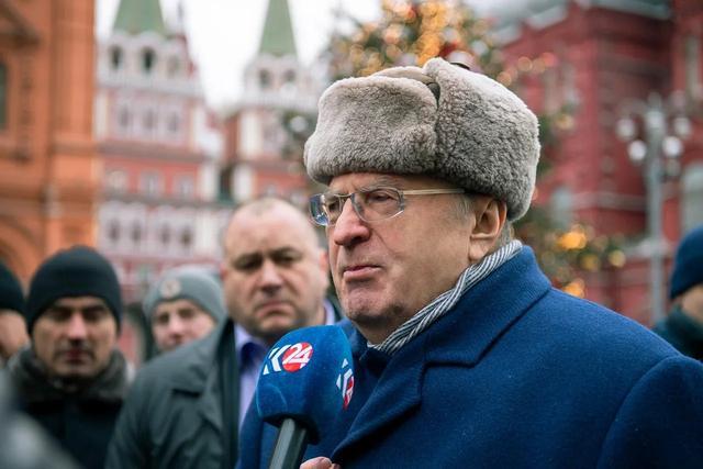日里诺夫斯基:应该取消俄罗斯总统,拆掉毁灭苏联的地雷