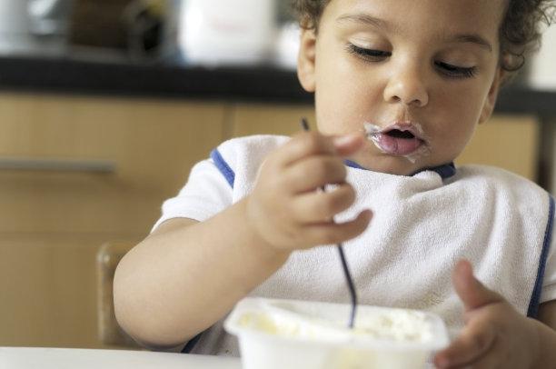 孩子不小心吃了异物,家长们究竟应该怎么做?所有爸妈都应该知道