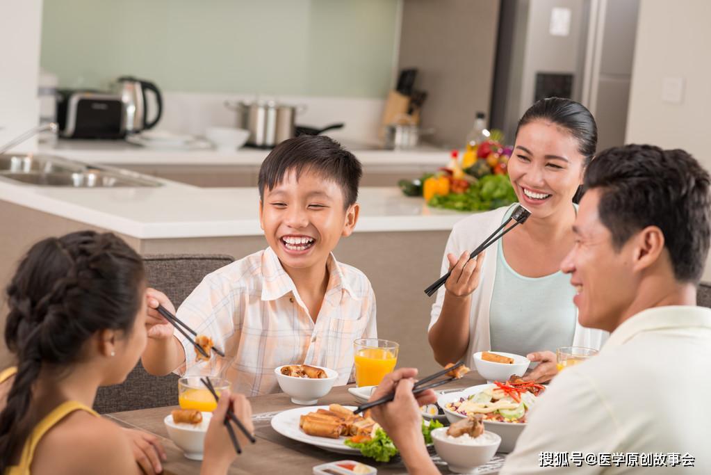 中国每天一万人确诊癌症,医生忠告,想长寿,四种食物要多吃一点