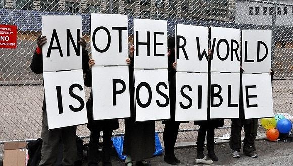 240005天下奇闻 | 全球多数居民对资本主义感到失