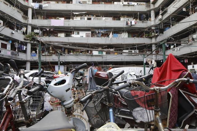 desired申晨间    @上海市民,2月1日起老公房加装电梯可提取使用公积金