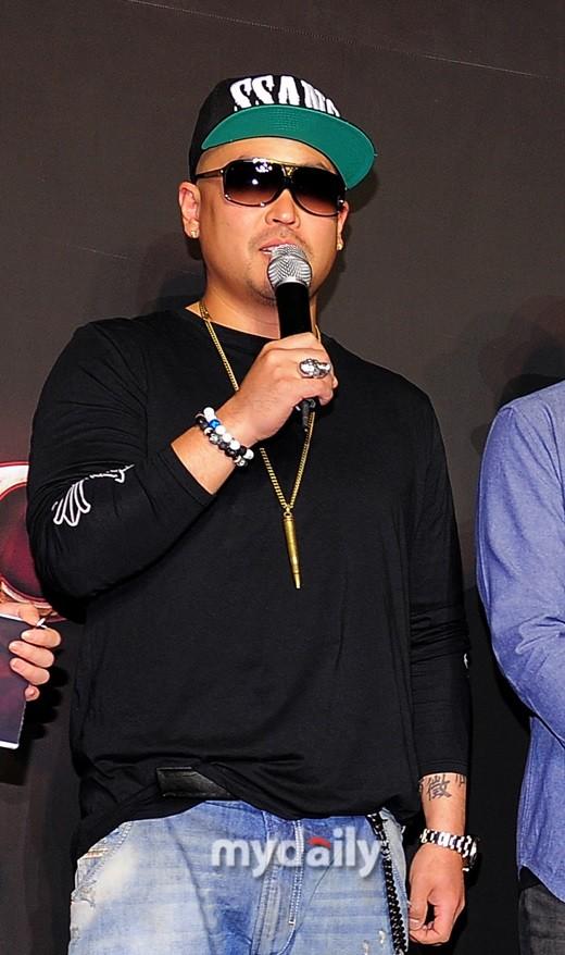 韩国歌手吉成俊酒驾丑闻两年后首次复出 出演CHANNEL A节目