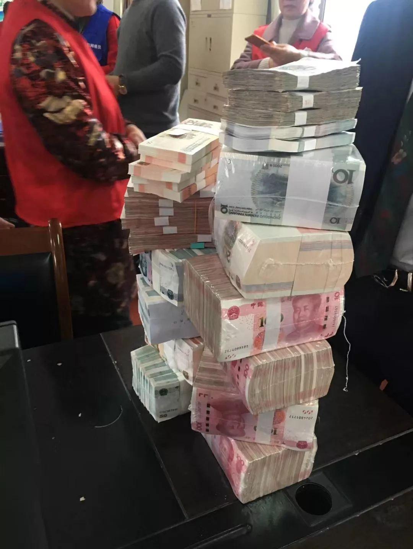 过年了,慈溪这个村给村民发了89万现金!
