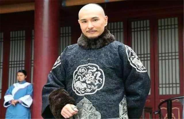 清朝乾隆时期有位大臣,地位不比和珅差!但是非常低调