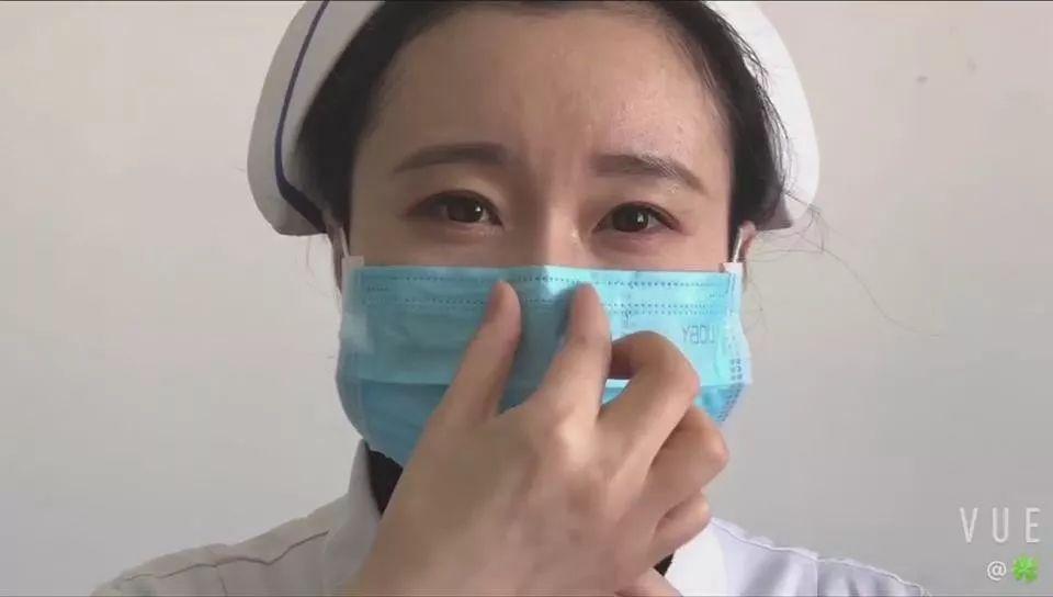 戴别人口罩会传染什么病吗_戴口罩传染几率图