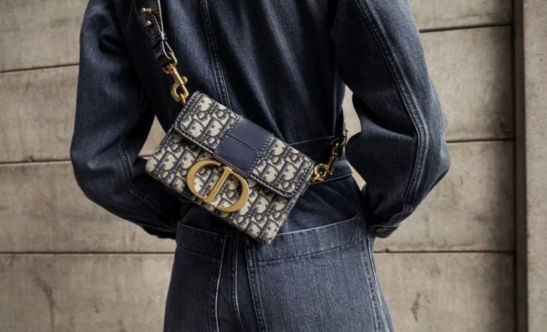 时装编辑过年也在暗自较劲,赢的人全靠一只包?