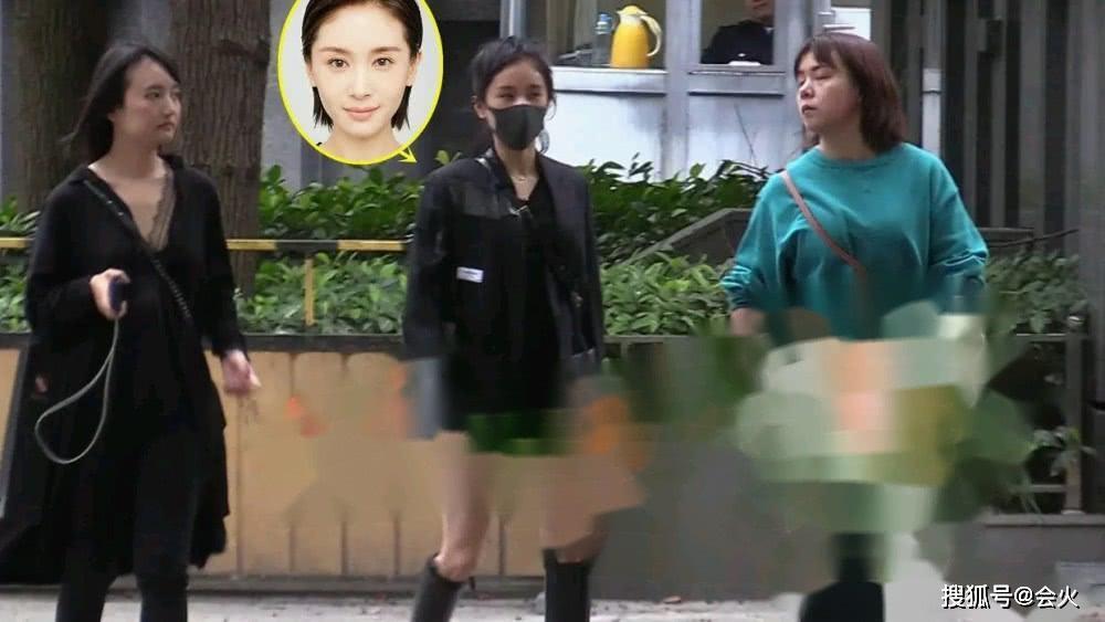 原创             32岁王子文现身美容院,素颜戴大口罩遮挡似是不想被人认出?