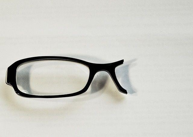"""""""不就是个眼镜吗?拿发票来,我赔你"""",家长看到金额后瞬间傻眼"""