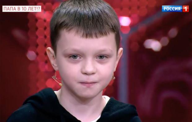十岁男孩让十三岁女孩怀孕?医生说这不大可能,男孩无法产生精子