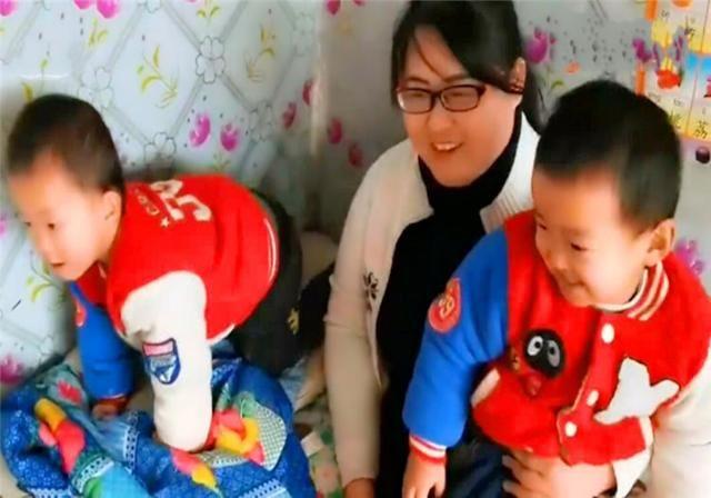 """""""无腿""""妈妈用试管生下双胞胎儿子,5年后,孩子说的话让人感动"""