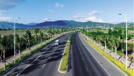 为何国内道路很多绿化带,欧洲却几乎没有?看完知道差距