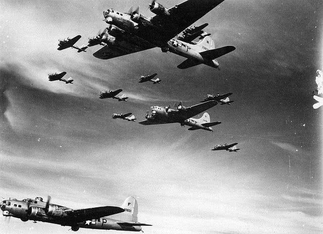 史上轰炸时间最长的战役,持续轰炸4年,7万名飞行员壮烈牺牲_英国新闻_英国中文网