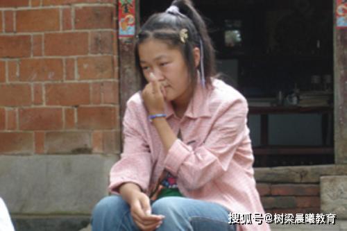 """高考""""零分英雄?#22791;?#35785;你,在中国对抗高考很傻,不读书没有出路"""
