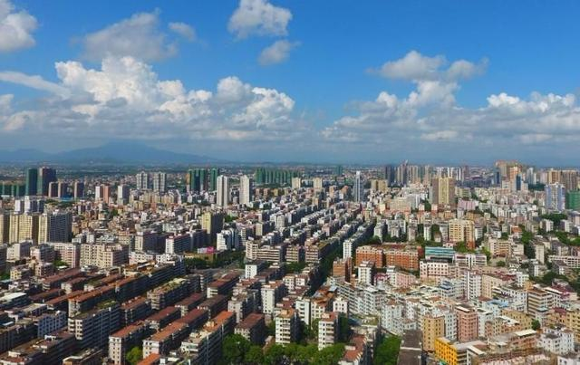 湛江市人口与面积_湛江市地图