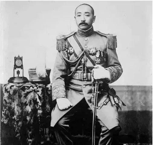 张作霖的发迹史:不仅仅靠干爹干妈,还有这4次著名的磕头