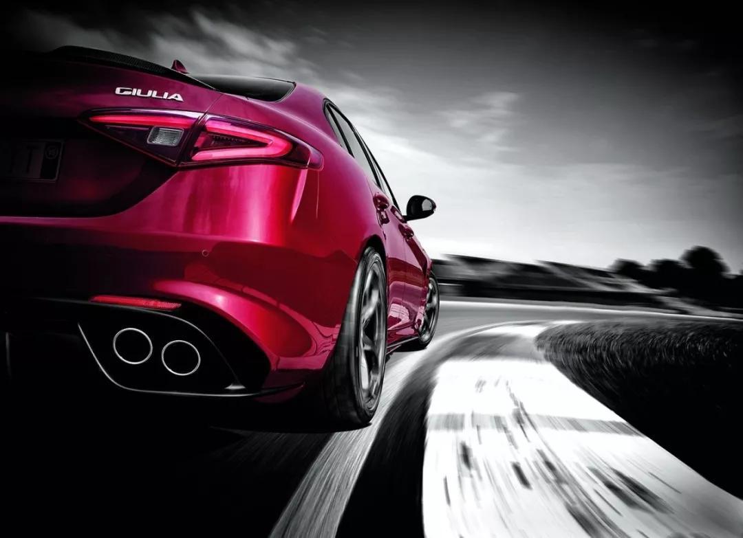 汽车-拥有了阿尔法·罗密欧Giulia,你便拥有了梦想与现实