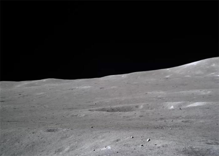 嫦娥四号发回月球神秘背面超清照片 外媒惊叹史诗级画面!