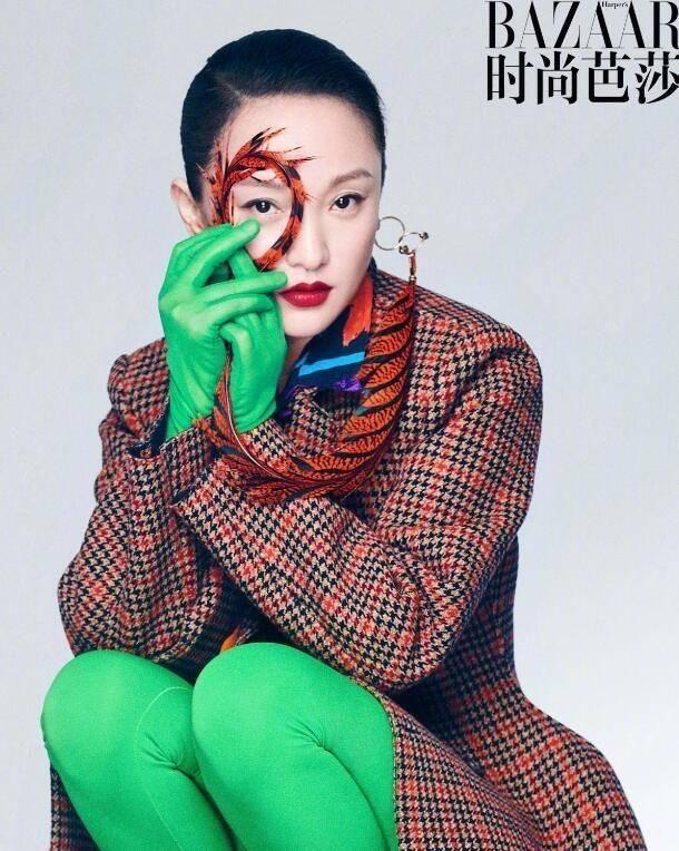 TVB当红小花双手纤长嫩白无需多加修饰 坦言觉得涂指甲油好恐怖