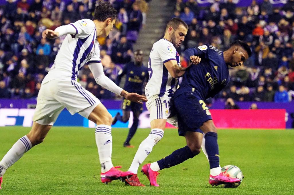西甲-纳乔头槌破门 皇马客场1-0反超巴萨3分登顶