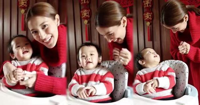 港姐冠军教一岁儿子拜年讲恭喜 囝囝全程望着妈妈笑可爱又靓仔